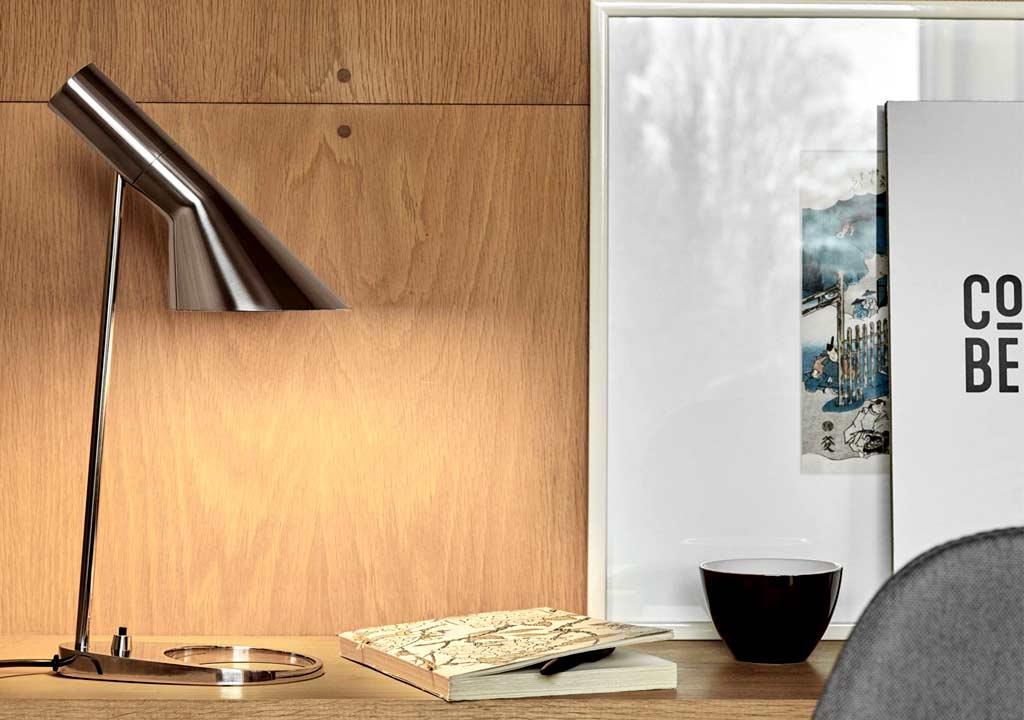 AJ Table Arne Jacobsen LP stainless steel