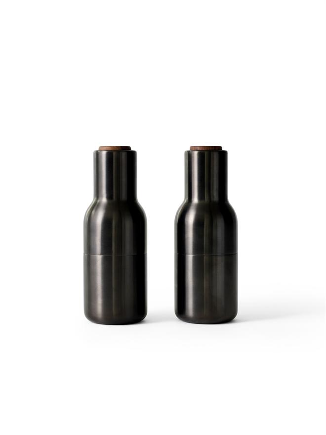4415859 BottleGrinder BronzedBrass WalnutLid Front