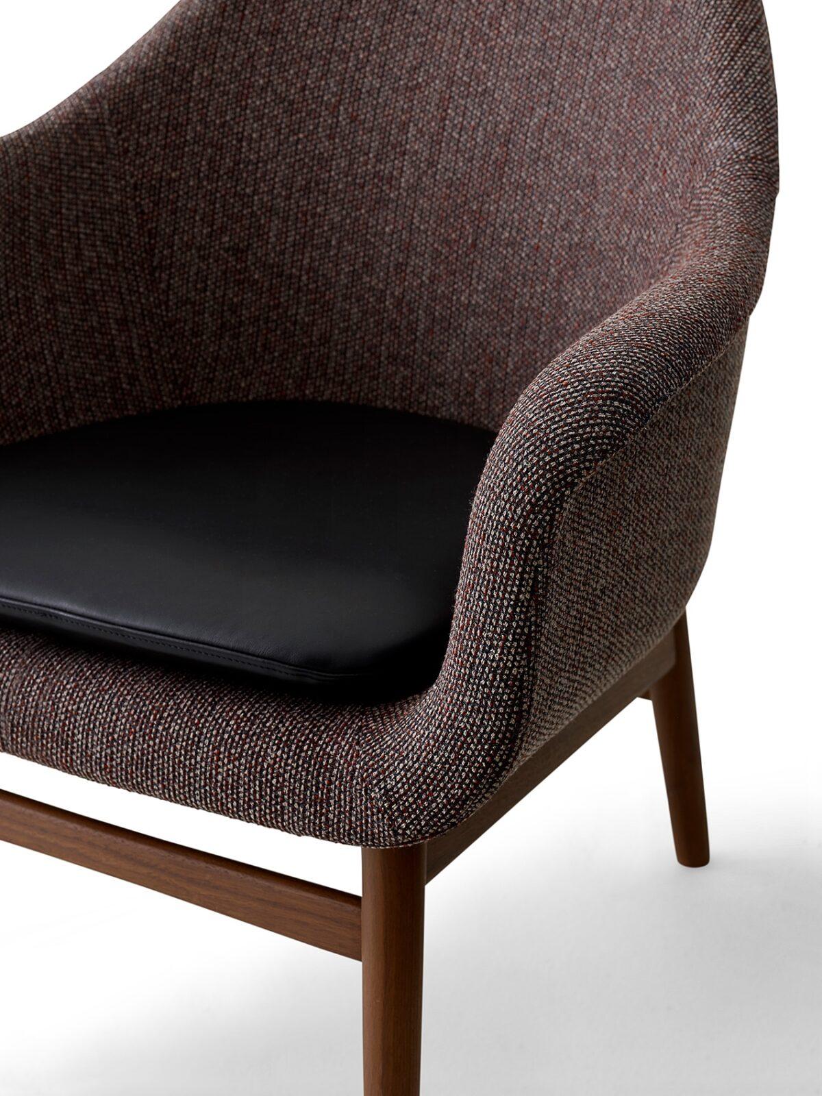9255549 Harbour Lounge Low back Walnut Savanna 675 Shade Pitch black cushio up new
