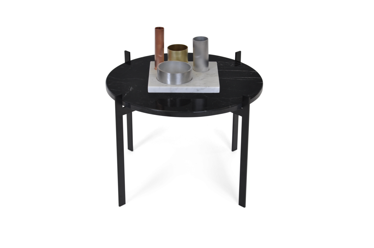 Single Deck Table black frame black marble accessories