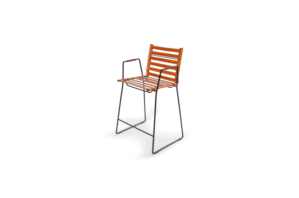 Strap Bar Chair black frame hazelnut leather