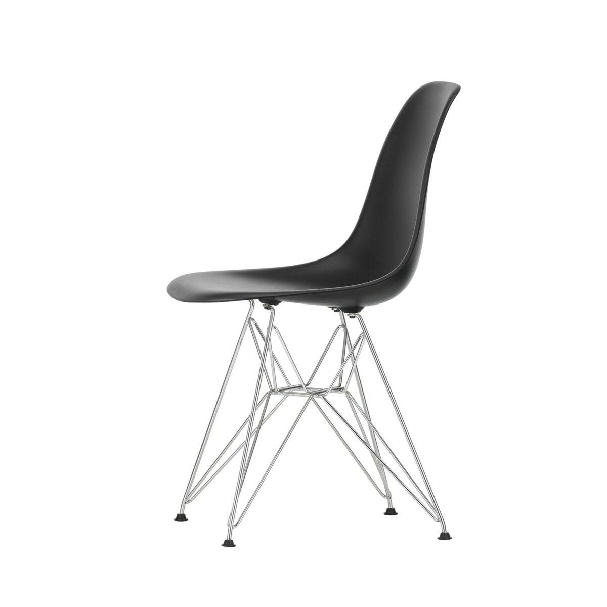 2779043 Eames Plastic Side Chair DSR 12 deep black 01 chrome left master