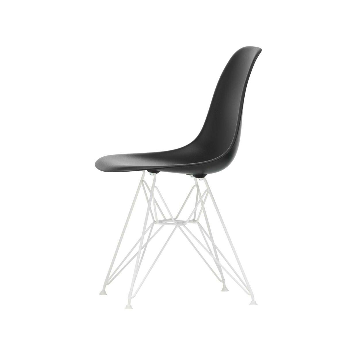 3034944 Eames Plastic Side Chair DSR 12 deep black 04 white powder coated left master