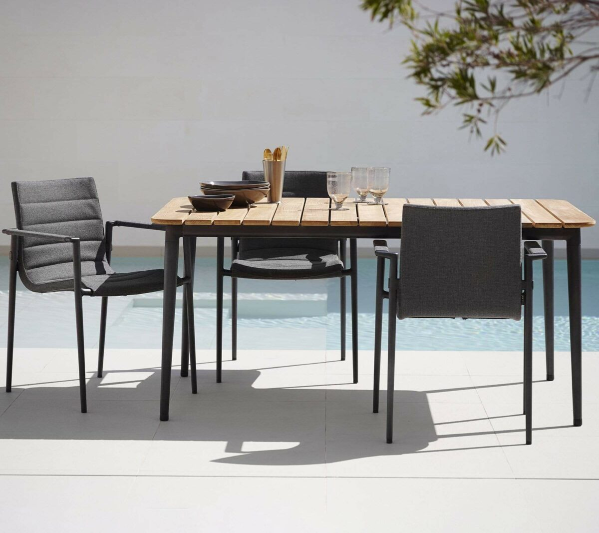 Core 0008 Core diningchair SoftTouch grey Core table lava