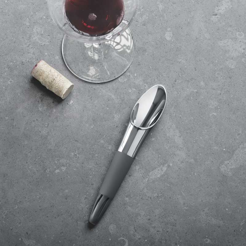 OnModel 3581627 WINE pourer life style
